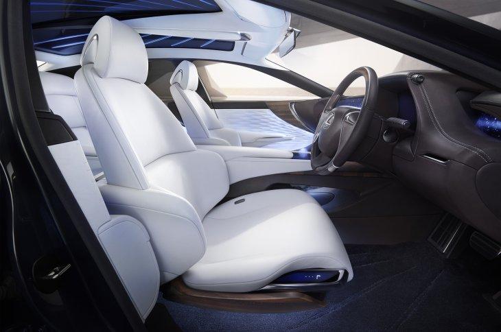 Lexus LF-FC представлена в Токио