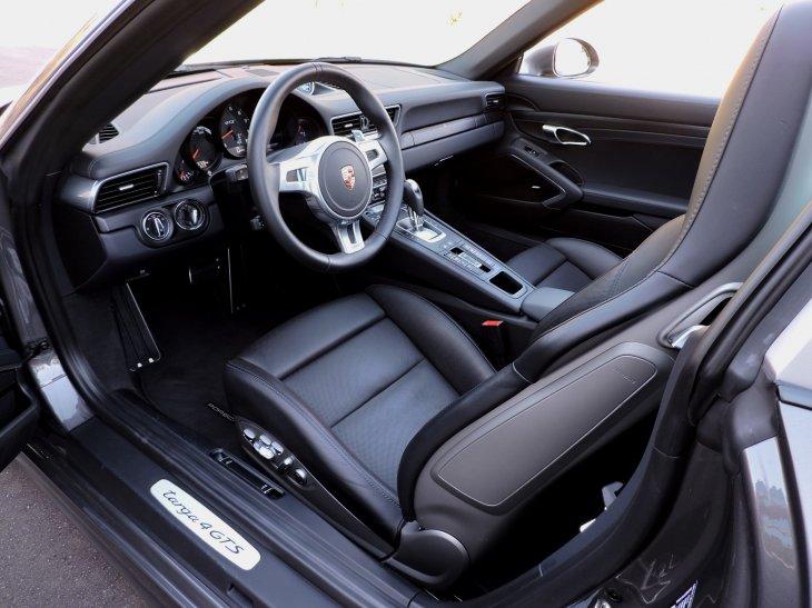 Фотогалерея: Porsche 911 Targa 4 GTS 2016