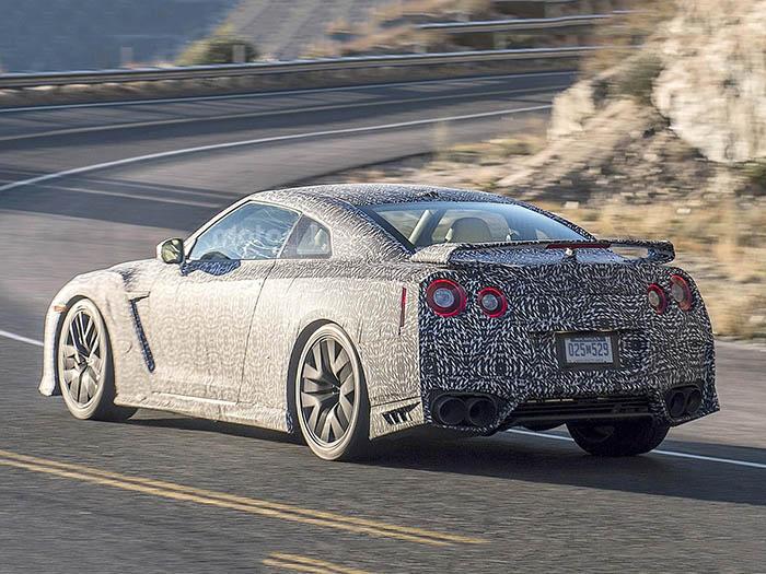 Через неделю Nissan покажет обновленный GT-R