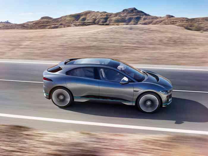 Jaguar представил свой первый электрический кроссовер I-Pace