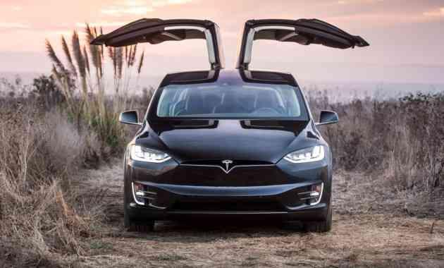 Будущие новинки Tesla: грузовик, пикап и родстер