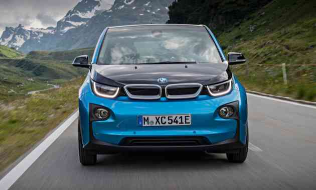 BMW по итогам мая впечатляет продажами электрокаров