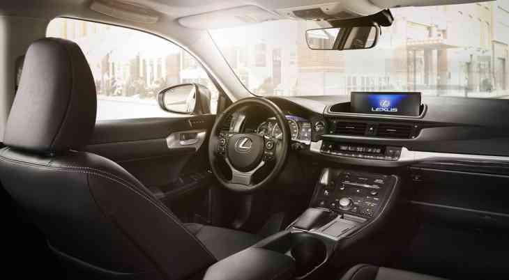 Перед прощанием: Lexus обновил хэтчбек CT 200h