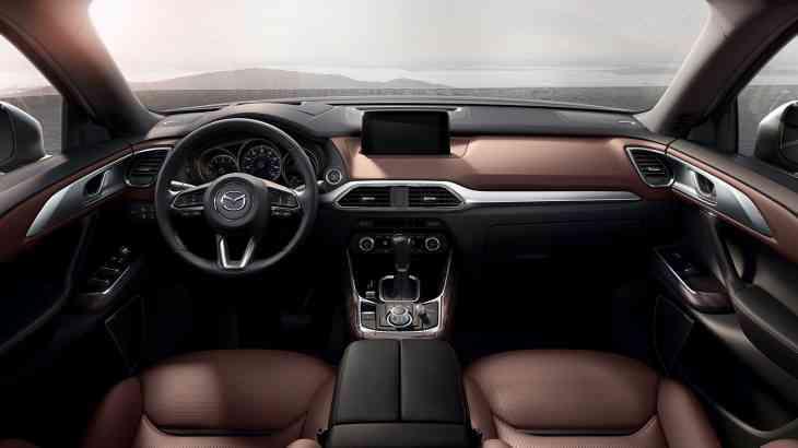 Определено насколько безопасны кроссоверы Mazda CX-9