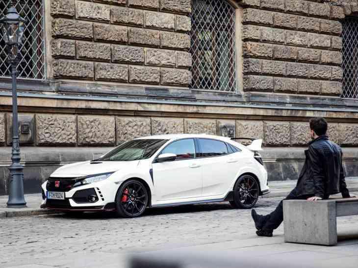 Honda Civic Type R может получить прибавку к мощности и полный привод