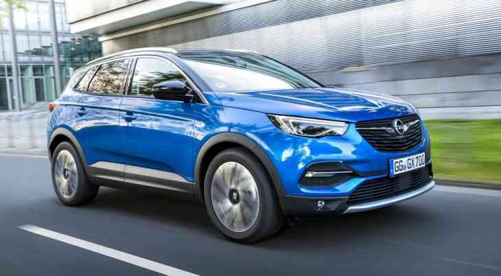 Opel назвал цены флагманского кроссовера Grandland X