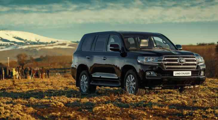 Toyota объединила Land Cruiser экстренной мобильной сетью