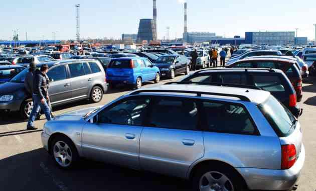 В России снова начали расти продажи автомобилей с пробегом