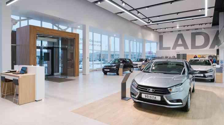У дилеров Lada в два раза сократились запасы автомобилей