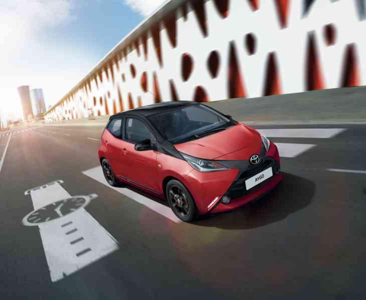 Toyota опубликовала цены на хэтчбек Aygo с X-образным дизайном