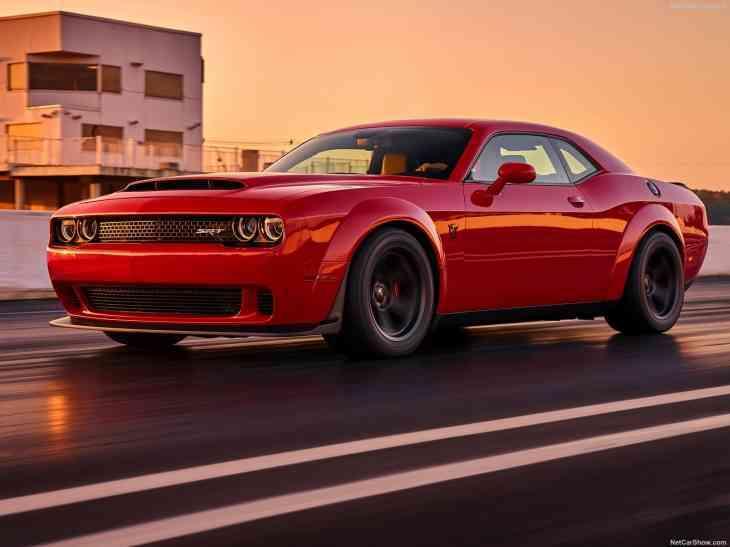 Dodge Challenger SRT Demon поделился обвесом с SRT Hellcat