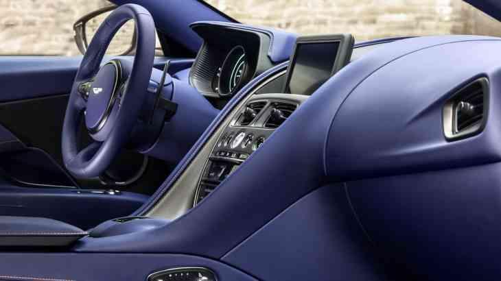 Aston Martin получил «мерседесовский» двигатель