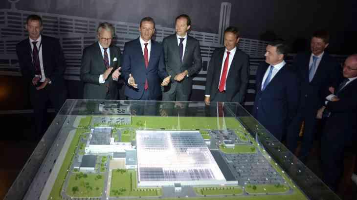 На завод Mercedes-Benz в Подмосковье начали набирать персонал