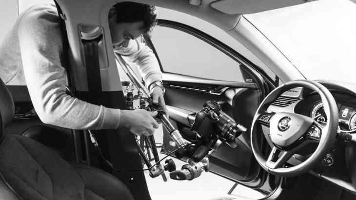 Богатый внутренний мир: профессиональное фото автомобильного интерьера и деталей