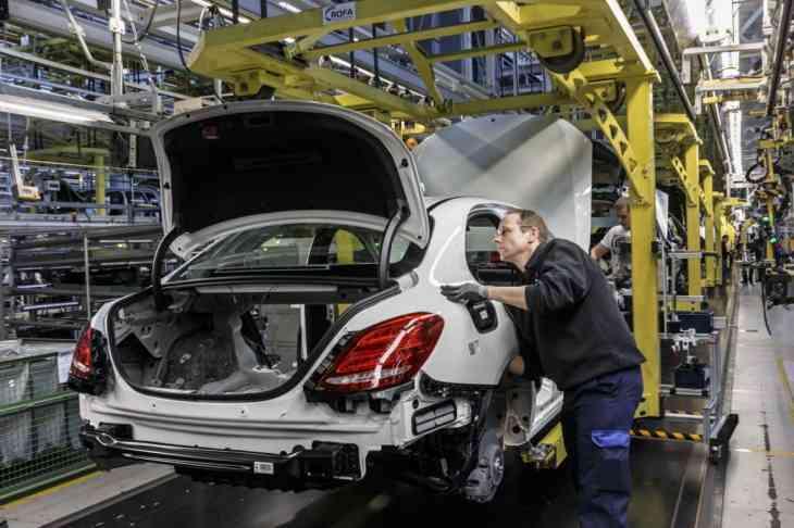 В России заложили первый камень завода Mercedes-Benz