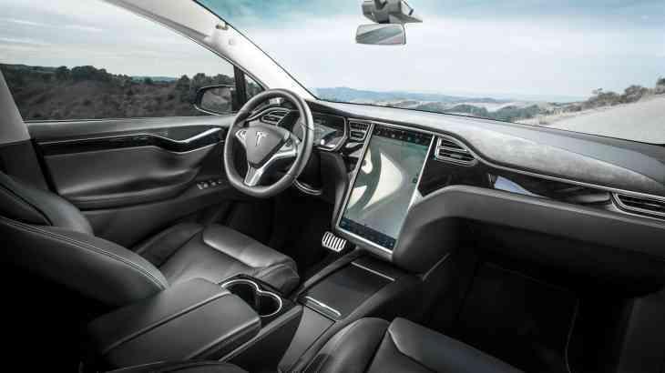 Tesla сделала седаны Model S и кроссоверы Model X еще быстрее