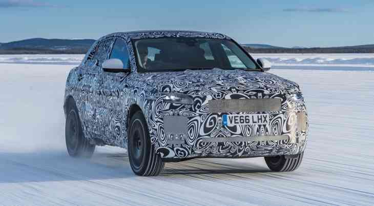 «Плюс-минус 40»: фото и видео с тестов нового кроссовера Jaguar E-Pace
