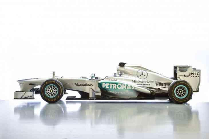 Mercedes-AMG выставил на продажу болид Льюиса Хэмилтона