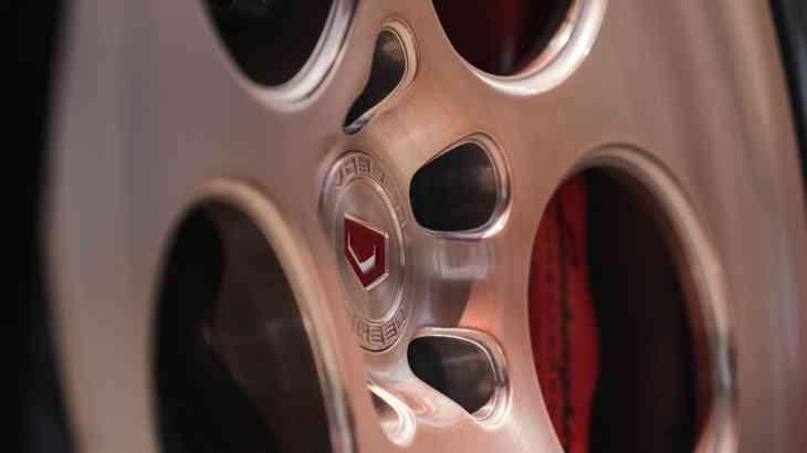 Модный приговор: Lamborghini с бронзовым акцентом