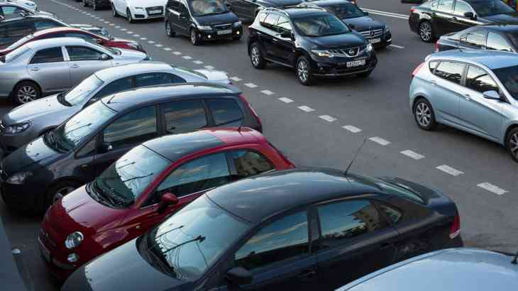 Продажи новых машин в России в июне выросли на 15%