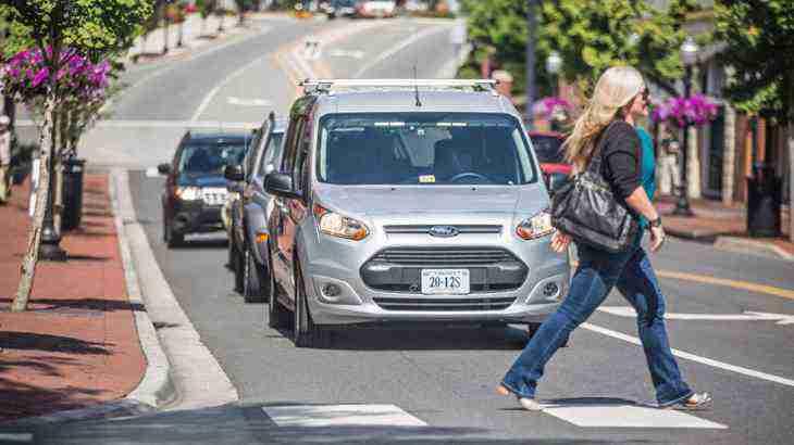 Ford начнет «делиться» беспилотными шаттлами через четыре года